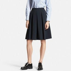 Pleated flare workwear skirt